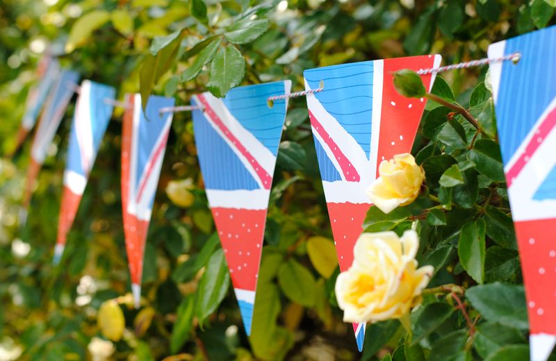 Union-Jack-flag-bunting-outside