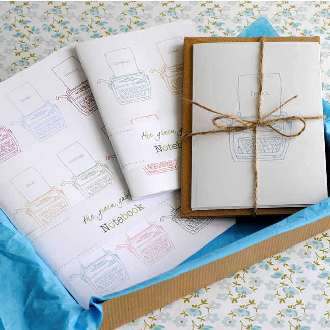 Typewriter-stationery-gift-set